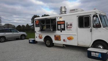 Vee's BBQ Kansas City Food Truck